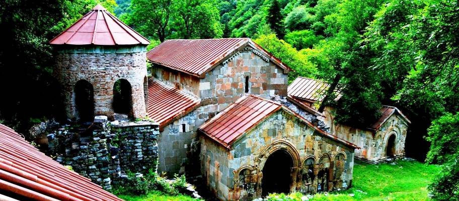 2 day tour in georgia, 2 day tour to Kartli, 2 day tour in Kartli, tour to Dzama gorge, tour to Bateti lake, tour to Samtavisi, tour in bateti lake, hiking tour to bateti lake, bateti lake hiking, bateti lake tracking tour, private tour to Bateti lake, bPrivate tour to Kartli, Mdzovreti monastery, Samtavisi monastery, tour to grakliani, grakliani hill, Ksani fortress, Shvilo fortress, 2 day private tour from Tbilisi, 2 day tour with overnight georgia, Georgian tours, tours in georgia, private tours in Georgia