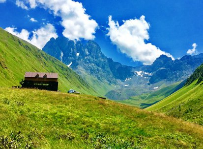 Kazbegi mountain – Jeep tour